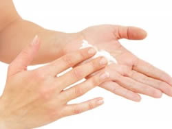 cande COCONUT HAND AND NAIL BUTTER